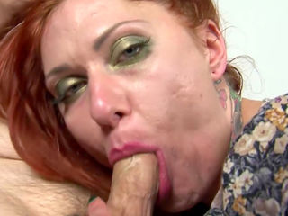 Tattooed mom Tallulah Tease fucks in mouth